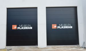 Kleefletters poort meubelen Plasman